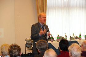 Dr. med. Reinhard Funck leitete die Veranstaltung.
